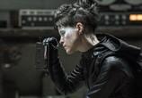 Фильм Девушка, которая застряла в паутине / The Girl in the Spider's Web (2018) - cцена 6