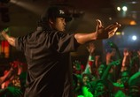 Сцена из фильма Голос улиц / Straight Outta Compton (2015)