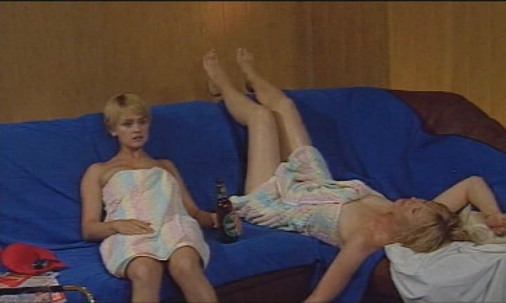 Блондинку полу, сцены из фильмов женщины в бане