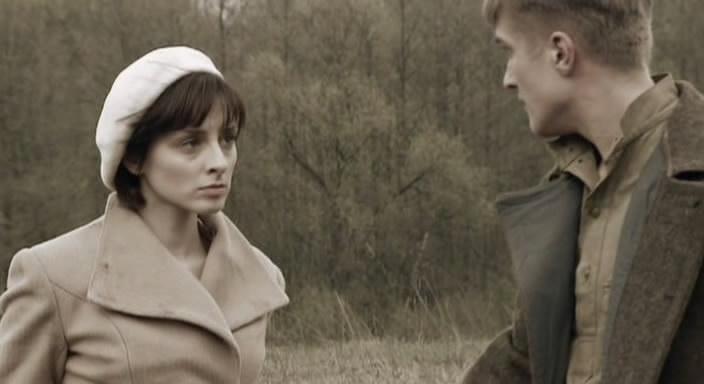Музыка из фильма вчера была война эвелина бледанс дружная семейка