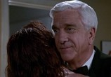 Сцена из фильма Голый пистолет: Трилогия / The Naked Gun: Trilogy (1988) Голый пистолет: Трилогия сцена 9