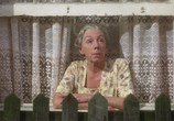 Фильм Далёкие голоса, застывшие жизни / Distant Voices, Still Lives (1988) - cцена 1
