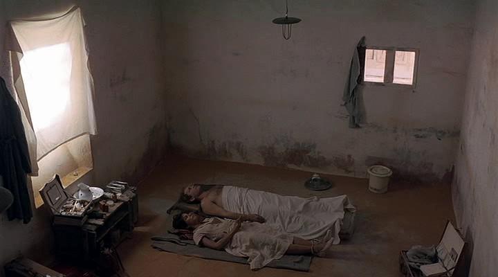 Фильм, под покровом небес ( 1990 )