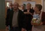 Фильм Похороны Джека / Passed Away (1992) - cцена 1