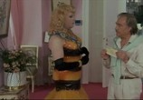 Сцена из фильма Клетка для чудаков 3 - Свадьба / La Cage Aux Folles 3 - Elles Se Marient (1985)