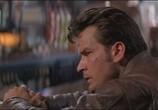 Сцена из фильма Скорость падения / Terminal Velocity (1994) Скорость падения сцена 3