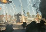 Сцена из фильма Инопланетное вторжение: Битва за Лос-Анджелес / Battle: Los Angeles (2011)