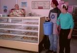 Сцена из фильма Берегись, большой брат! / Big Brother Trouble (2000) Берегись, большой брат! сцена 9