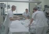 Сцена из фильма Злоупотребление слабостью / Abus de faiblesse (2013) Злоупотребление слабостью сцена 3